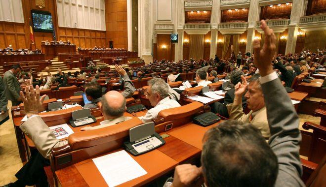 Camera Deputaților va vota marți inițiativa cetățenească