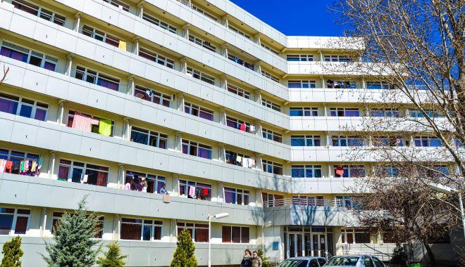 """Peste 600 de studenţi au rămas în cămine. Universitatea """"Ovidius"""" a pregătit 10 camere pentru carantinare - camine2-1605638577.jpg"""