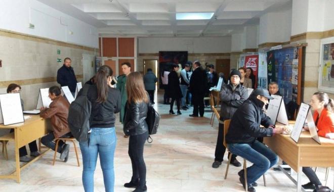 Iată câți constănțeni au fost angajați pe loc, la Bursa Locurilor de Muncă - campus21491554244-1491562406.jpg