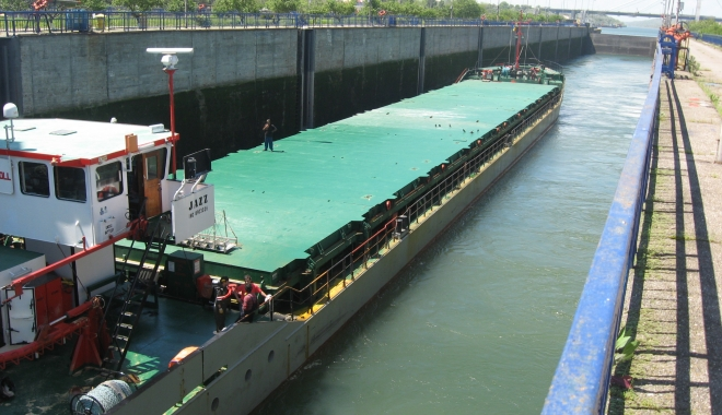 Canalele navigabile, din record în record - canalelenavigabile-1483537216.jpg