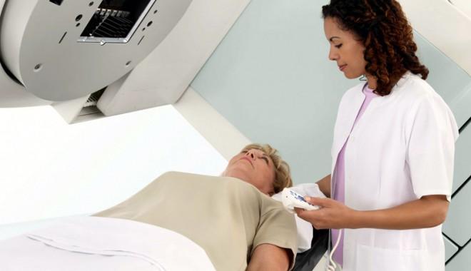 Foto: Zeci de mii de constănțence testate pentru cancer de col uterin