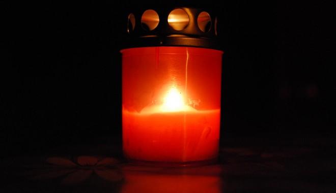 Preotul Remus Dumbravă, de la Biserica Sfântul Mina, a DECEDAT! - candela-1363507765.jpg