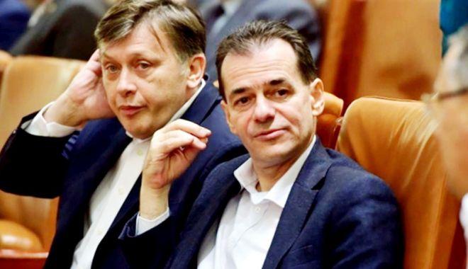 Foto: Candidează Crin Antonescu  la europarlamentare? Ce spune Orban