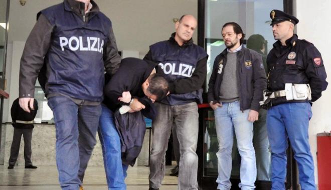 Foto: Capii mafiei italiene se întrunesc în camere frigorifice pentru a nu fi interceptați de polițiști