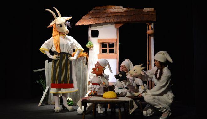 """Foto: Spectacol pentru copii: """"Capra cu trei iezi"""""""