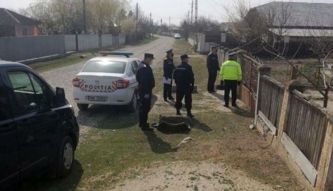 Foto: Poliție, jandarmi, militari! Carantină parțială în localitatea Cuza Vodă