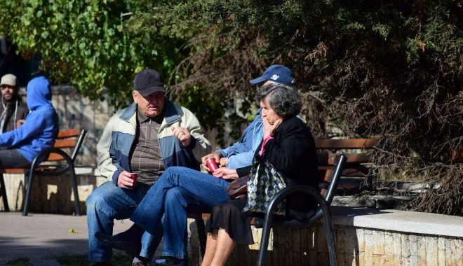 Card cu bani pe el, pentru vârstnicii constănţeni cu pensii mici - cardcubani-1605211416.jpg