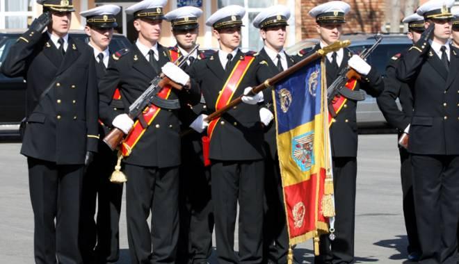 Tinerii din Constanța, așteptați să îmbrace haina militară. Ce trebuie să faci pentru o carieră în armată - carieramilitara-1454692956.jpg