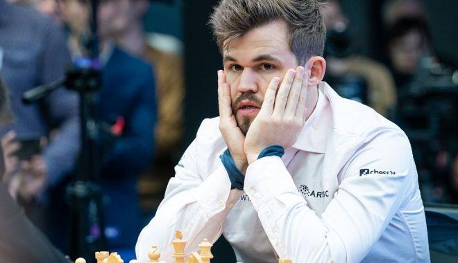 Foto: Magnus Carlsen este de neoprit. Norvegianul își învinge cu ușurință adversarii