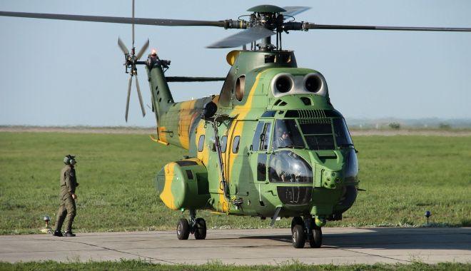 Foto: Un elicopter al Forțelor Aeriene Române a fost avariat în Mali
