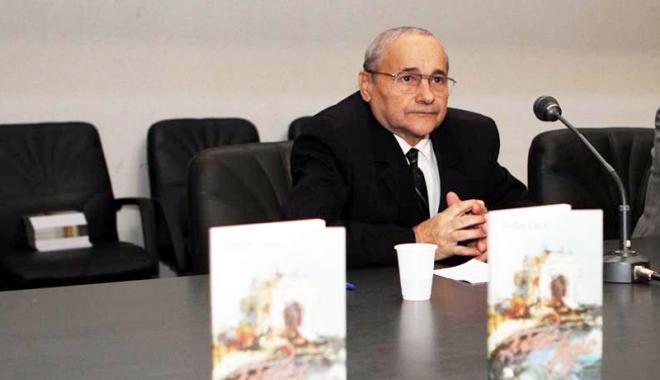 Foto: Cartea latinistului Ștefan Cucu, lansată post-mortem