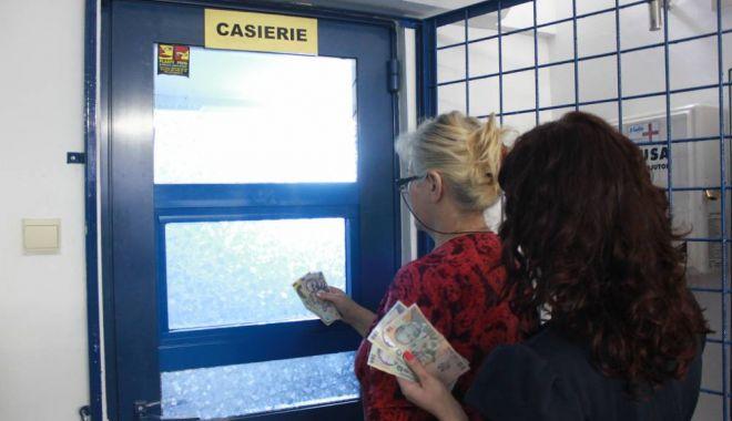 Ziua României. Ce program au casieriile RAJA în weekend - casierie142201140414292706691-1574672120.jpg