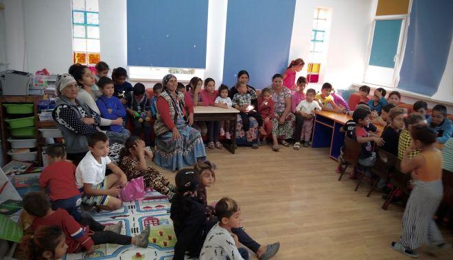 Ajutor pentru voluntarii care trimit copiii la școală, în Castelu - castelurealitycheck3-1576798967.jpg