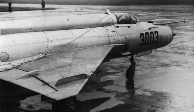 Catapultarea la sol n-a mai avut loc. Pilotul s-a născut sub o stea norocoasă - catapultare3-1462554128.jpg
