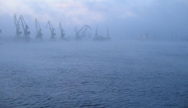 CEAȚĂ DENSĂ LA CONSTANȚA! Manevrele în porturile Constanţa Nord, Constanţa Sud-Agigea şi Mangalia au fost sistate - ceata-1606634307.jpg