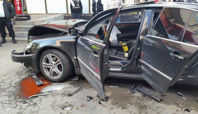 Foto: Ce au pățit interlopii din Năvodari după ce s-au înjunghiat în stradă