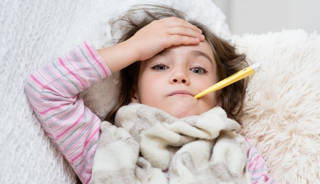 Foto: Ce facem cu copilul bolnav? Îl ducem sau nu în colectivitate?