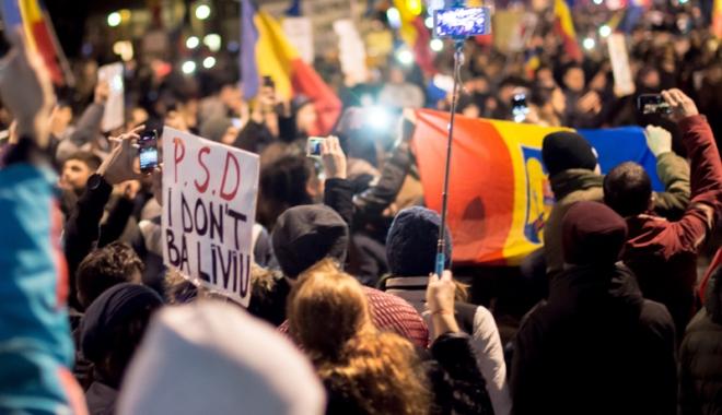 Cele mai mari proteste de la Revoluția din 1989! Peste jumătate de milion de români, în stradă! - celemaimari19-1486460172.jpg