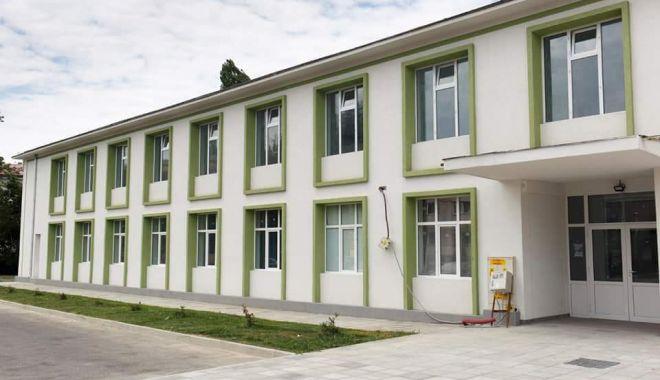 Centrul Multifuncțional de Sănătate Năvodari. Sute de pacienţi consultaţi - centrulnavodari-1603115103.jpg