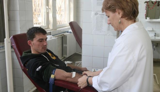 Foto: Criză de sânge la Constanța. Constănțenii, refuzați pe bandă la recoltare