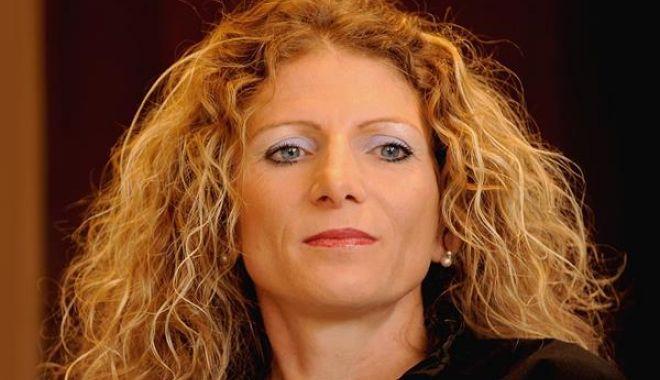 Ce onoare! Constantina Diță, ambasador al Campionatului Mondial de semi-maraton - ceonoare-1602686073.jpg