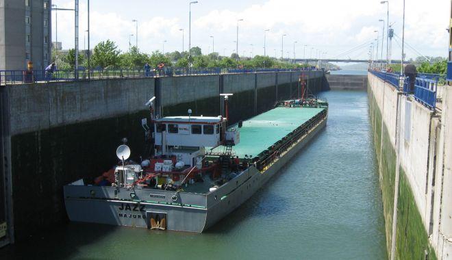 Foto: Cerealele și minereurile domină traficul pe canalele navigabile
