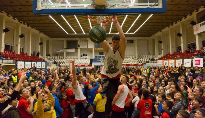"Foto: ""Charity Basketball Game"", succes total la Constanța"
