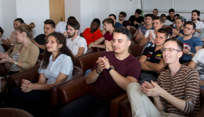 Activități în vacanță! Peste 150 de studenți, reuniți la Constanța - chiardacasuntinvacanta-1483640089.jpg