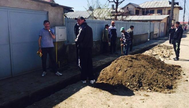 FOTO ȘI VIDEO. Proiectil găsit de un localnic din Medgidia, în grădină - cinci-1459683056.jpg