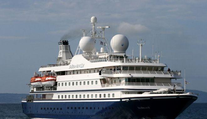 Cinci pasageri de pe o navă de croazieră, testați pozitiv pentru Covid-19 - cincipasageridepeonavadecroazier-1605535747.jpg