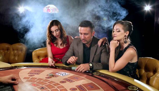 Cine poate strica cheful de poker? - cinepoate-1573855982.jpg