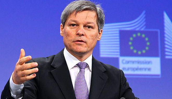 """Foto: Dacian Cioloș, după ce Kovesi a fost revocată: """"Știu că vă vine să vă luați câmpii""""..."""