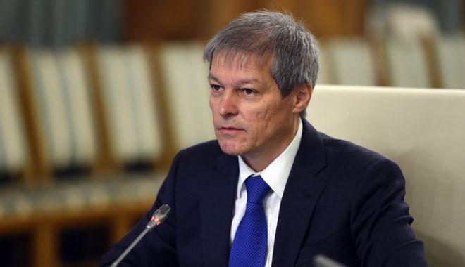 """Foto: Candidează Cioloș la prezidențiale?  """"Sunt gata să-mi asum decizia partidului"""""""