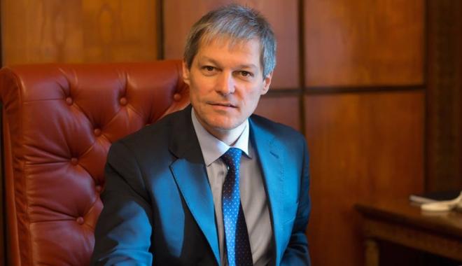 Dacian Cioloș: Unioniștii au spus că vor dezbateri cu oameni politici - ciolosunionisti-1477318139.jpg
