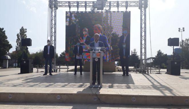 """Dacian Cioloş, prezent la malul mării. """"Constanţa are nevoie de Stelian Ion!"""" - ciolosusr-1600796412.jpg"""
