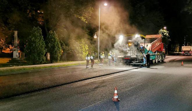Foto: Circulație restricționată, la noapte, pe bulevardul Tomis