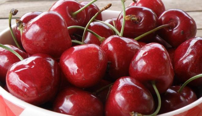 Foto: Cireșele, fructele lunii. Iată câte beneficii au asupra organismului