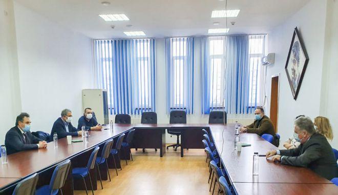 Președintele CJC, Mihai Lupu, discuții cu mediul academic pentru construirea unui spital - cjcintalnire-1612204071.jpg