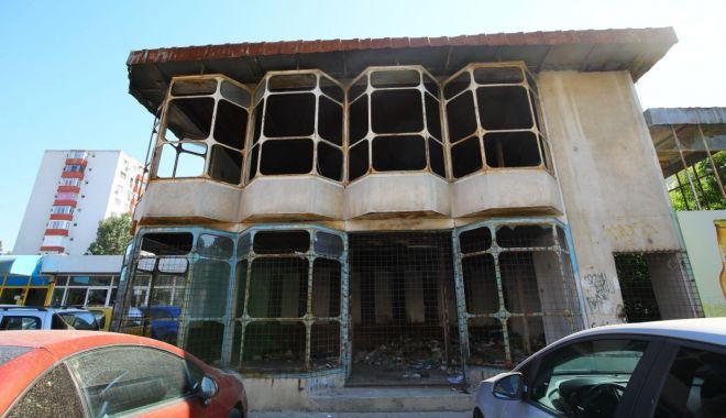 Foto: O clădire abandonată din oraș va fi demolată