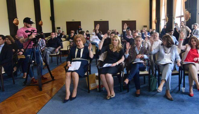 Consilierii locali, convocați în ședință de primarul Decebal Făgădău - clmsedintafebruarie-1581618046.jpg