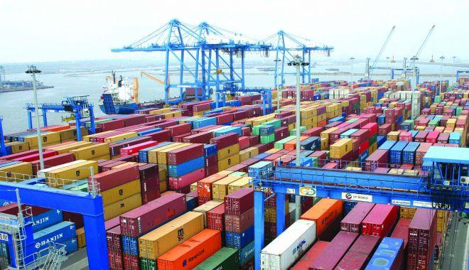 Foto: Portul Constanța, principala poartă de intrare a mărfurilor de bișniță