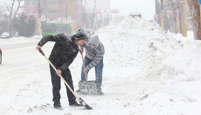Foto: A fost furtună în tot județul. 30 de localități nu au nici acum apă potabilă