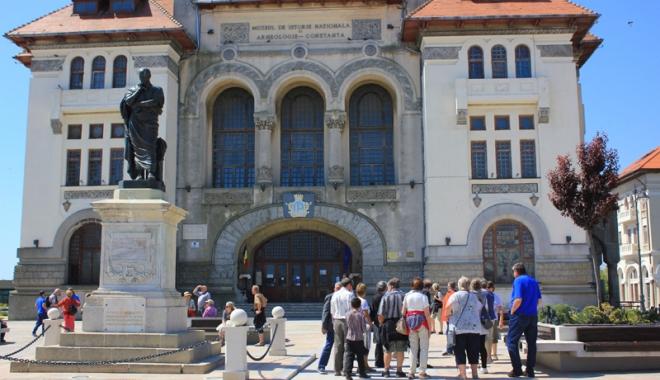 """Foto: """"Comunismul  în Dobrogea"""",  adus la Muzeul  de Istorie"""