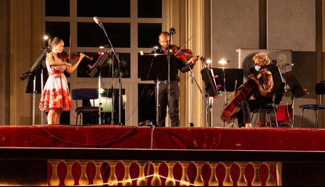 Concert de bijuterii muzicale pentru melomani - concertsursateatru-1598639630.jpg
