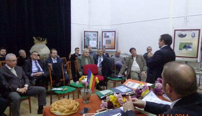 """Foto: """"Conferință de recunoștință"""", în cinstea lui Remus Opreanu"""