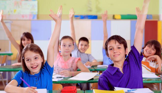 Foto: Corn, lapte, fructe și legume în școlile din Constanța? Poate la anu'!