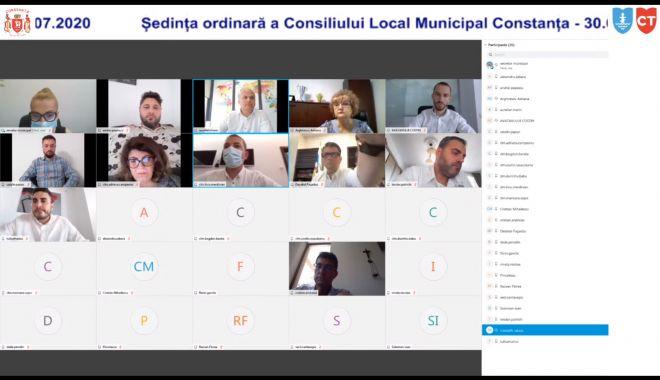 Foto: Ședință de consiliu local, online, la Constanța. Consiliere supun la vot rectificarea bugetului
