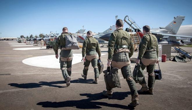 Foto: Consiliul de miniștri aprobă retragerea militarilor germani de la baza turcă din Incirlik