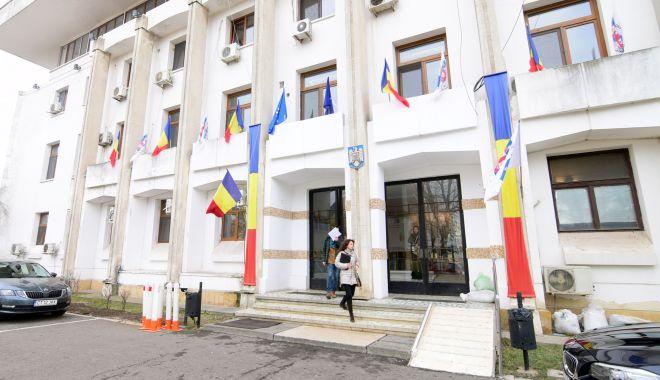 Foto: Primăria Constanța acordă bani pentru bonele copiilor