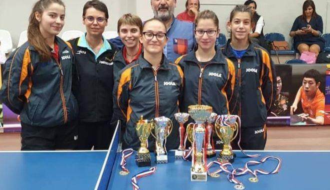 Foto: Constănțencele au dominat Jocurile Internaționale la tenis de masă din Cipru